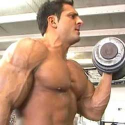 Biceps en triceps thuis trainen